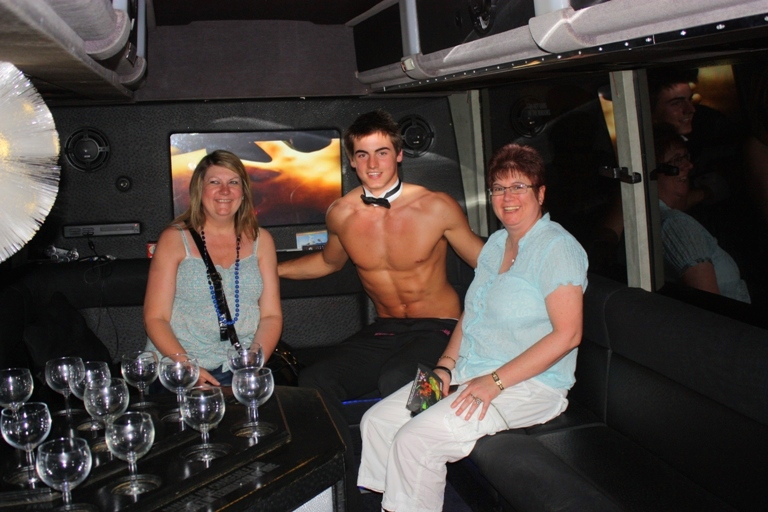 Two Touch Butlers 4 Hire Limo Bus launch (22)